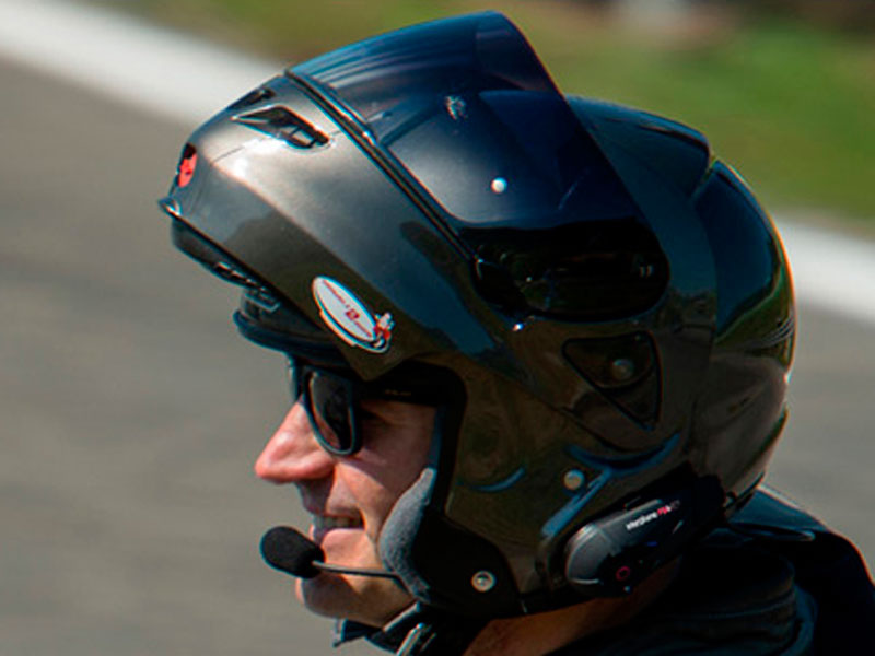 Мотогарнитура Bluetooth INTERPHONE F5MCTP Мото (с функцией Интеркома с соединением 4-х мотоциклистов)